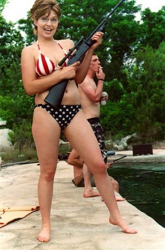 sarah-palin-bikini-rifle.jpg